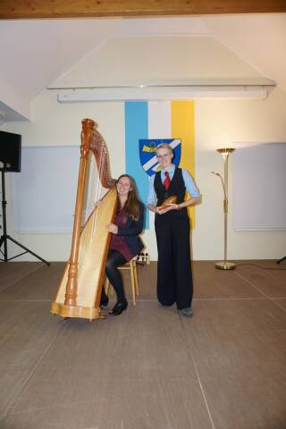 """Romanvorstellung - """"Die Königindes Lichts"""": Lesung & Konzert in Weinburg"""