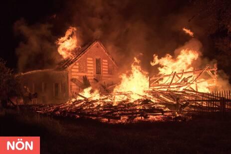 Rubring Ernsthofen Brand greift von Schuppen auf Wohnhaus über