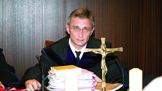 440_0008_7182373_kre09gericht_hohenecke Richter Manfred Hohenecker.