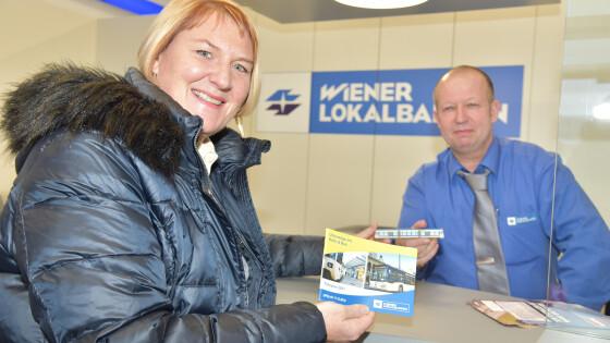Vizebürgermeisterin LAbg. Helga Krismer mit WLB-Mitarbeiter Robert Hoch.
