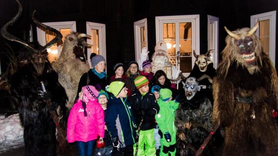 Der FSV Puchenstuben 100 Besucher bei Nikolaus im Dorf