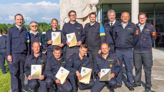"""11 neue """"Feuerwehr-Maturanten"""" aus dem Bezirk Baden"""