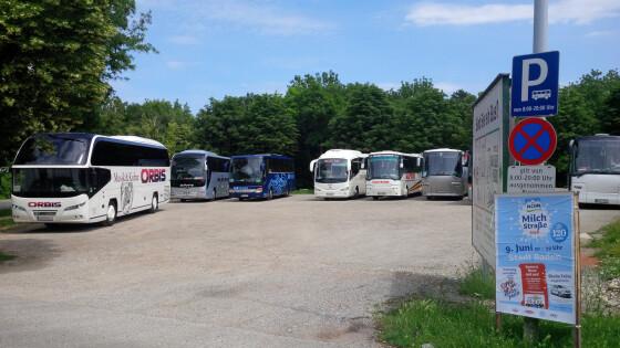 440_0008_7277894_bad23af_busparkplatz.jpg