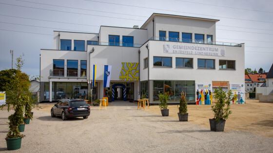 440_0008_7982088_bad48enz_neues_gemeindezentrum.jpg