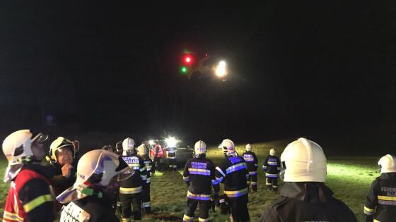 Presseaussendung NÖ/Bezirk Baden/ Alland - Allander Feuerwehren retten Mann nach PKW-Überschlag