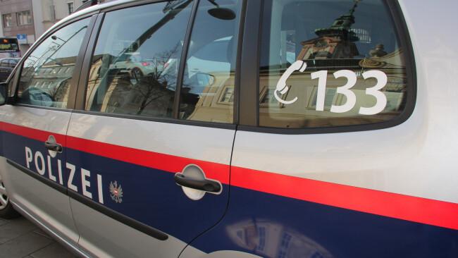 Polizei Symbolbild 440_0008_6649141_symbolfoto_polizei_auto_obernberger_22_.jpg