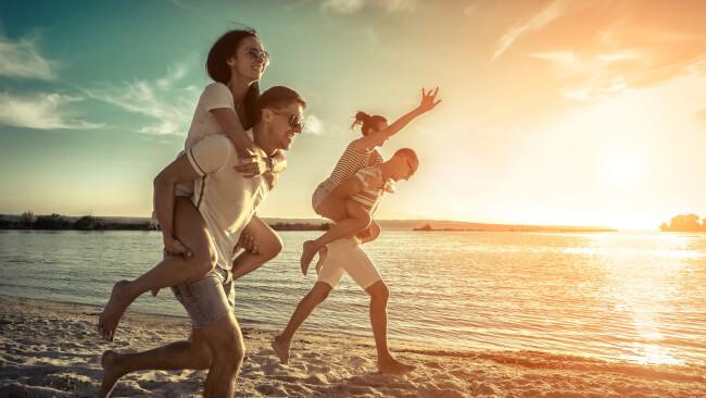 Symbolbild Reisen Urlaub Freunde
