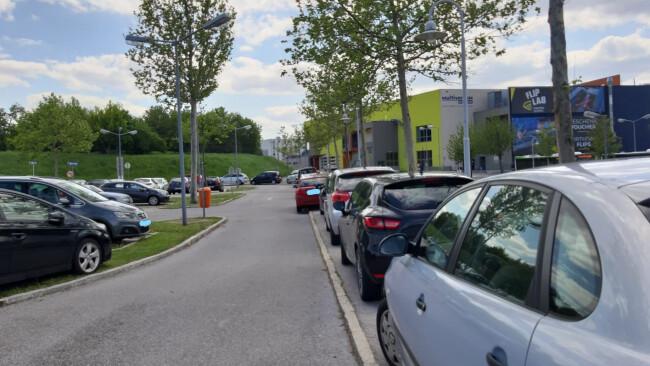 440_0008_7573894_gre20rf_parkplatzsituation_schwechat.jpg