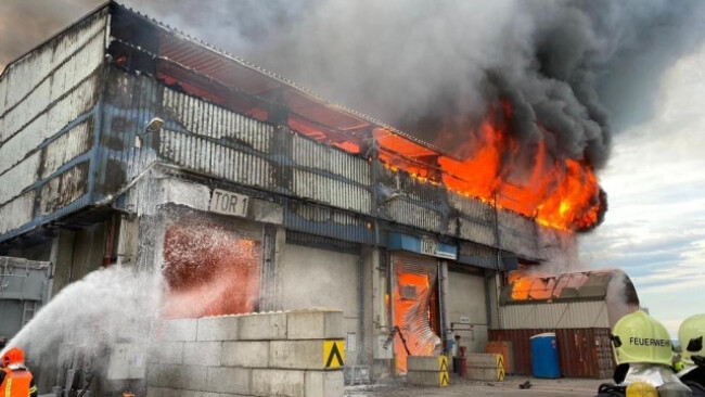 Flammen rasch unter Kontrolle