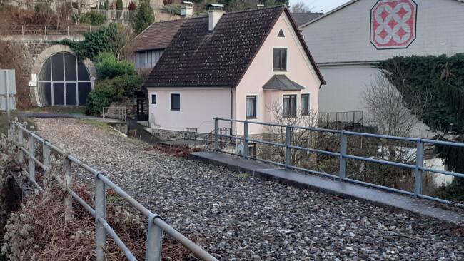 440_0008_8004923_mel01suedliches_donauuferbahn_t15126507.jpg
