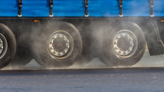 Lkw Lastwagen Autobahn Straße Reifen Laster LKW Symbolbild