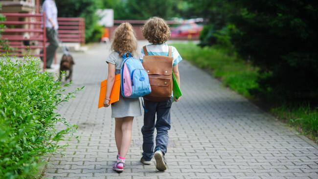 Schüler Volksschüler Schule Volksschule Symbolbild