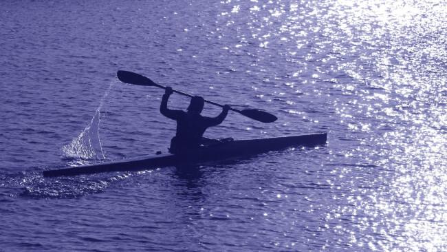 Symbolbild Kanu Kanufahrer Paddeln Paddler