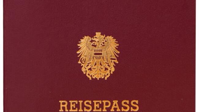 Symbolbild Reisepass Ausweis Lichtbildausweis Pass