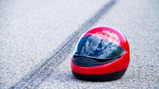 Motorrad Motorradhelm Moped Mopedhelm Unfall Verkehrsunfall Toter Verkehrstoter SymbolbildSymbolbild
