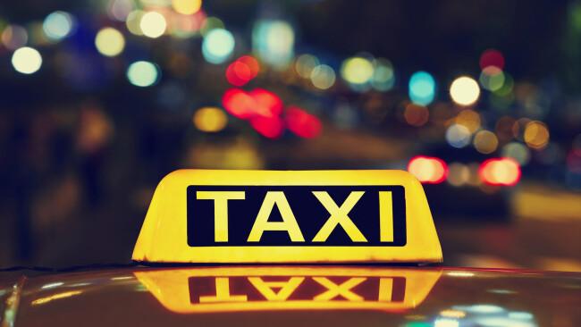 Taxi Taxler Taxilenker Symbolbild