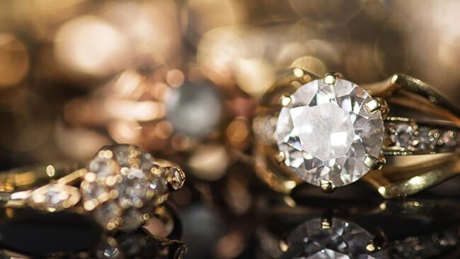 Juwelier Juweliergeschäft Schmuck Ringe Ring Symbolbild