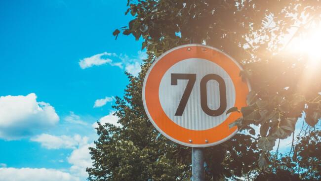 70er Verkehrsschild Symbolbild