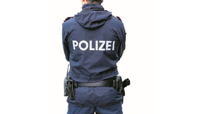 Symbolbild Polizei Polizist _polizei_shutterstock_rochus.jpg