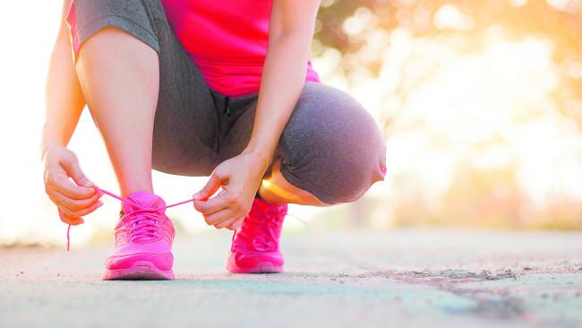 Symbolbild Laufen Joggen Sport im freien