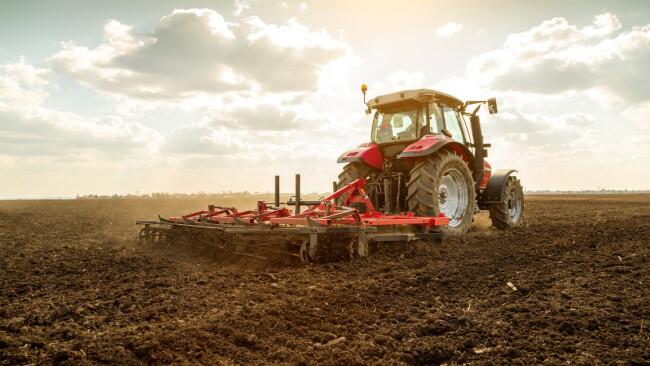 Traktor Landwirtschaft Symbolbild