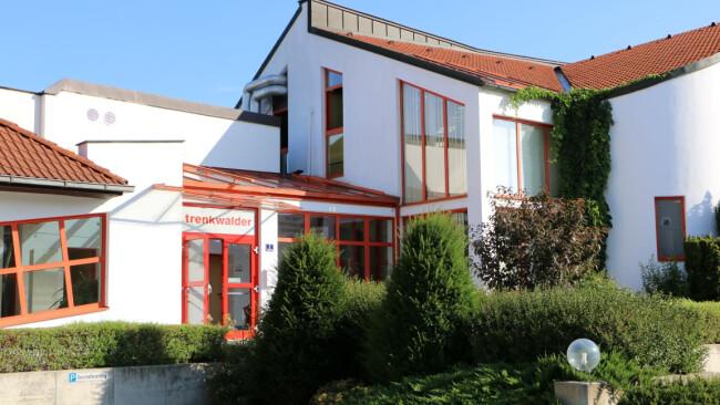 Firmenzentrale Trenkwalder in Schwadorf Symbolbild Foto Burggraf