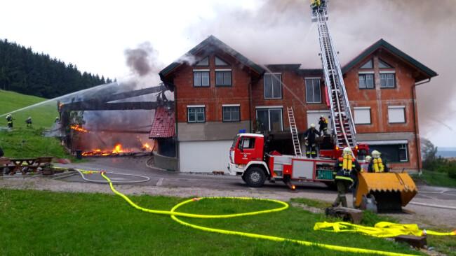 Großbrand auf Bauernhof in Oberndorf an der Melk