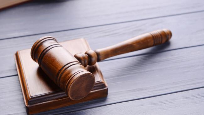 Symbolbild Prozess Gericht Gerichtsprozess