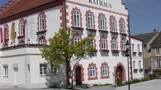 Rathaus Gemeinderat Waidhofen an der Thaya Symbolbild