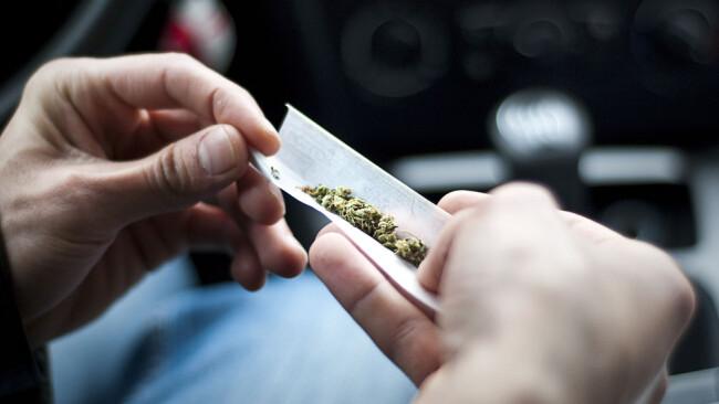 Drogen am Steuer Cannabis Autofahrer Drogenlenker Drogenkontrolle Auto Verkehrskontrolle Symbolbild
