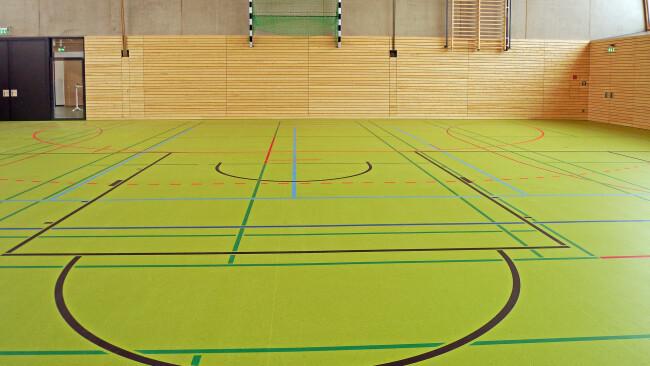 Sporthalle Turnsaal Turnhalle Symbolbild
