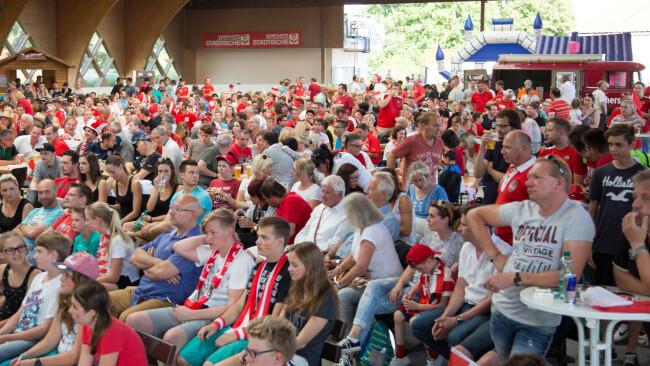 Public Viewing Traiskirchen Fußball-EM wird übertragen