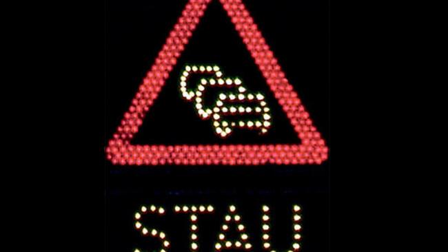 Stau Autobahn Sperre Symbolbild