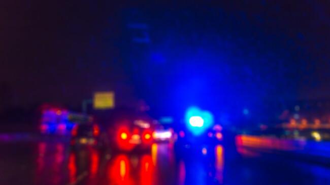 Verkehrsunfall Autounfall Unfall Nacht Autobahn Feuerwehr Polizei Blaulicht Symbolbild