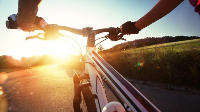 Symbolbild Fahrrad Rad Radfahrer