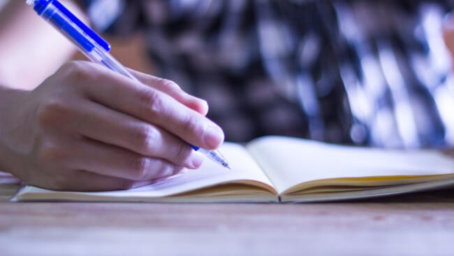 Literatur Schreiben Schule Symbolbild