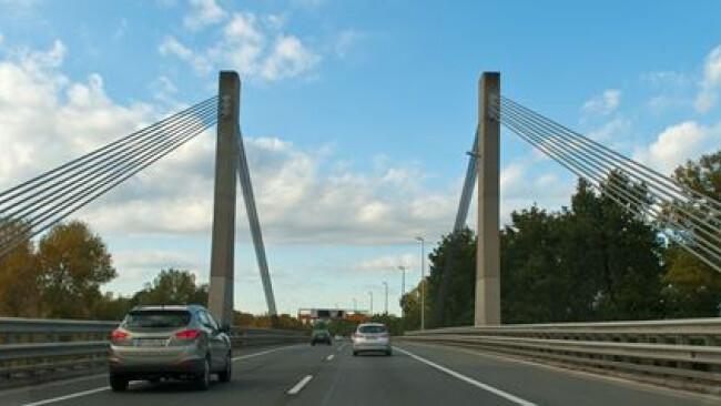 A 4 Ost Autobahn_Schrägseilbrücke_FR Knoten Prater.jpg