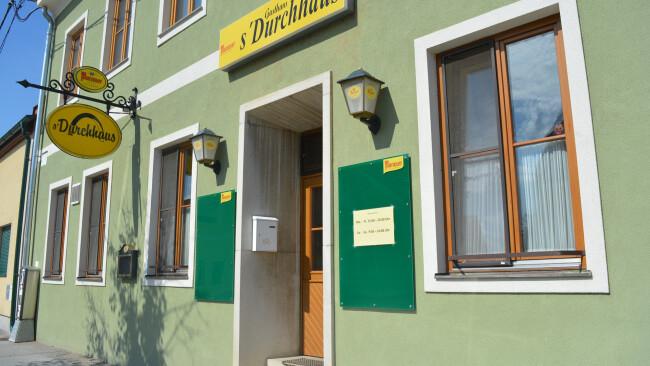 440_0008_7994100_gre51rm_traut_gemeindegasthaus_4sp.jpg