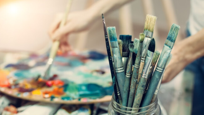 Kunst Atelier Malerei Leinwand Pinsel Symbolbild
