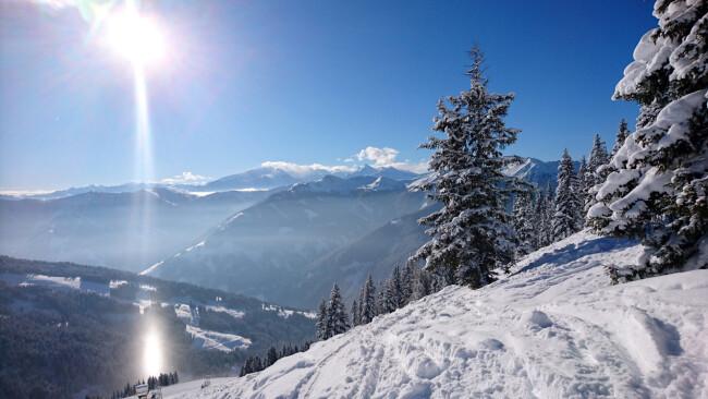 Ski Saalbach Skifahren Saalbach-Hinterglemm Hinterglemm Symbolbild Leogang Fieberbrunn