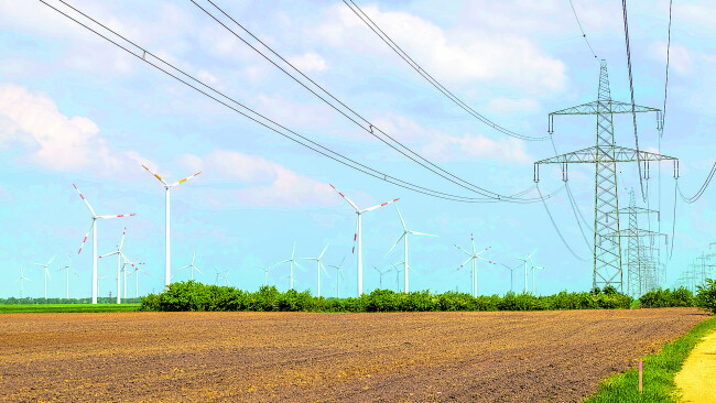 440_0008_7423270_mar46nina_strom Symbolbild Strommast Strom Hochspannungsleitung