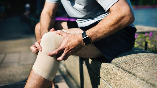 Sportverletzungen Kniebandage Symbolfoto