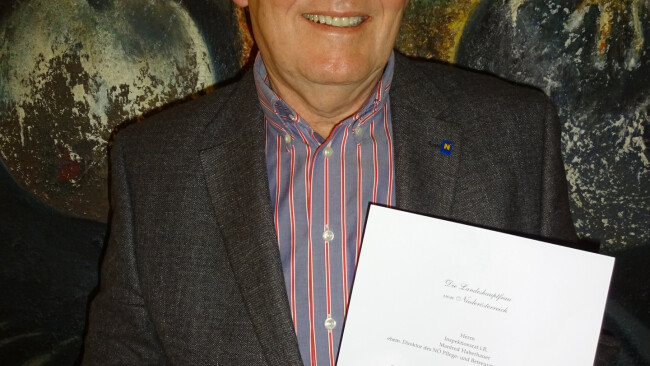 Manfred Haberhauer freut sich über die Verleihung des Berufstitels Regierungsrat.