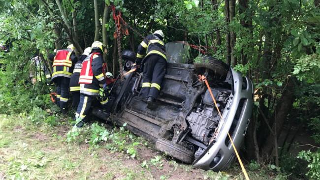 Verkehrsunfall mit 4 verletzen Personen darunter 2 Kinder – B11 bei Neuhaus