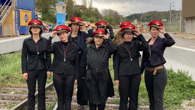 """Blues und mehr - """"Bahnhofsfrauen""""-Aktionen für Unterpurkersdorfs Bahnhof"""