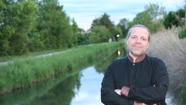 Den Klängen des Kanals lauschen