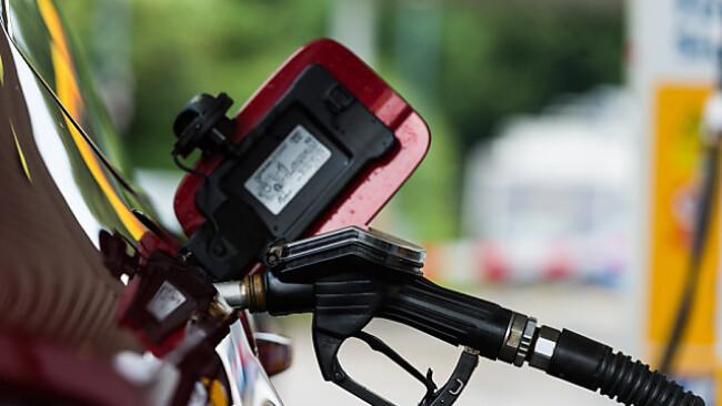 Höhere Preise für Treibstoffe treiben die Inflation
