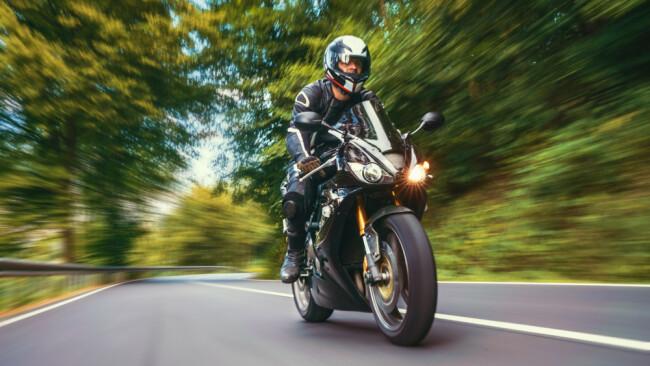 Motorradfahrer Symbolbild Motorrad