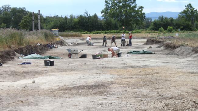 Urnengräber Funde Himberg Grabungen