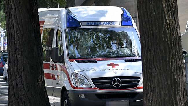 Kärntner Polizei sucht ein Rettungsauto (Symbolbild)